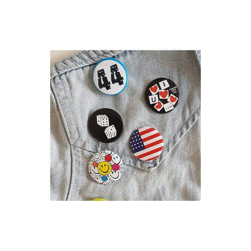 Badge pour femme